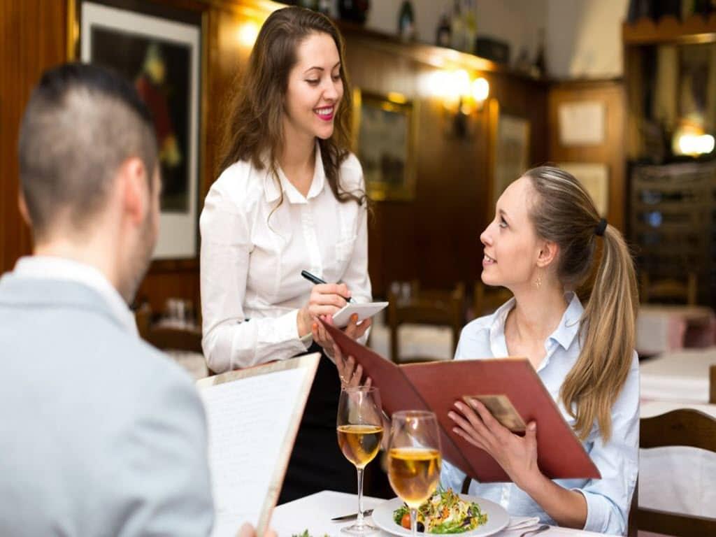 آموزش مدیریت پذیرایی و میزبانی تشریفات در هتل